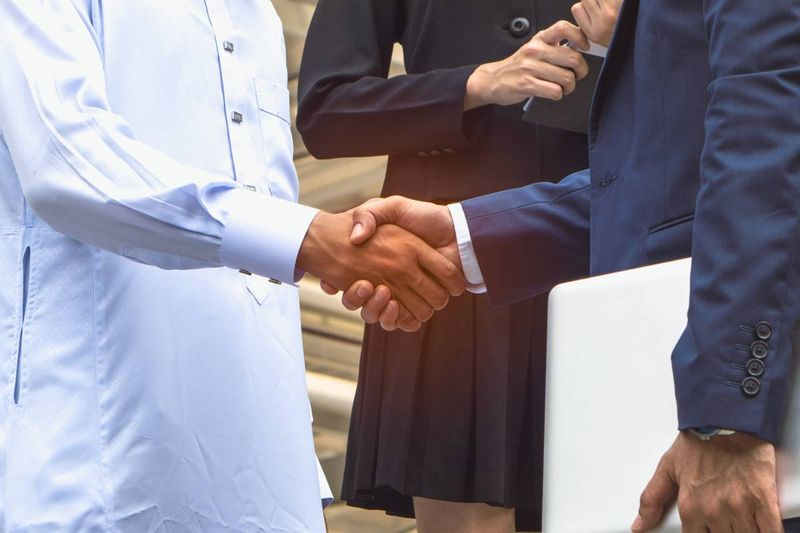 Lebanese man shaking hands with RCIC
