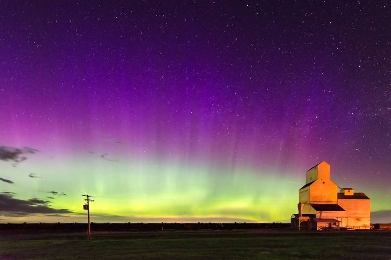aurora-borealis-northern-lights-over-Pennant-Saskatchewan-grain-elevator | Life in Saskatchewan