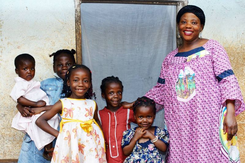 African woman with children |  how to apply for a Canada visa from Cameroon