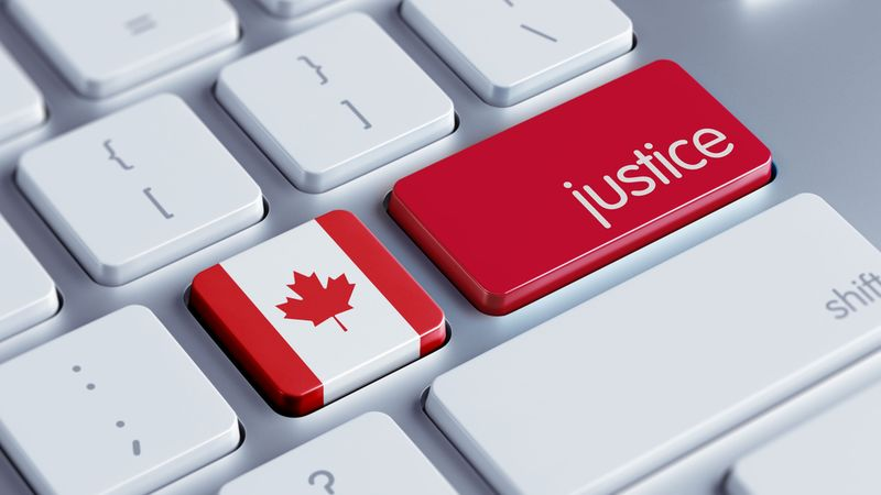 Justice button Canada flag