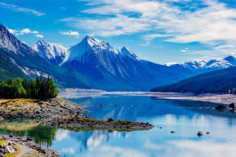 Explore Canadian nature when you immigrate to Canada.