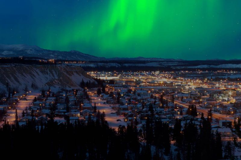northern lights Whitehorse Yukon| immigrate to Canada